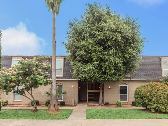 1004 Allena Dr, San Antonio, Texas 78213, ,Apartment,For Rent,Allena Dr,1011