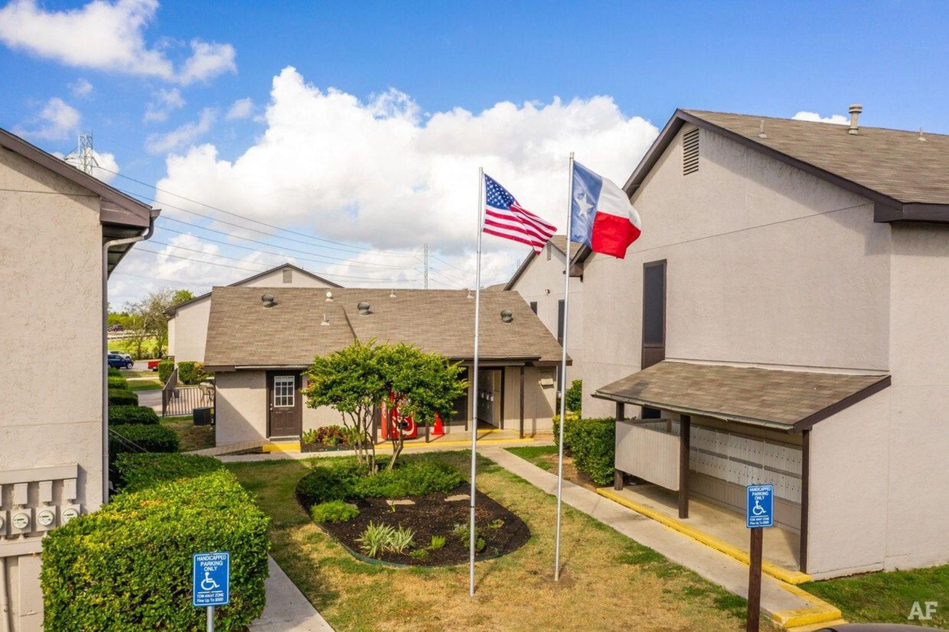 2303 Goliad Rd, San Antonio, Texas 78223, ,Apartment,For Rent,Goliad Rd ,1121