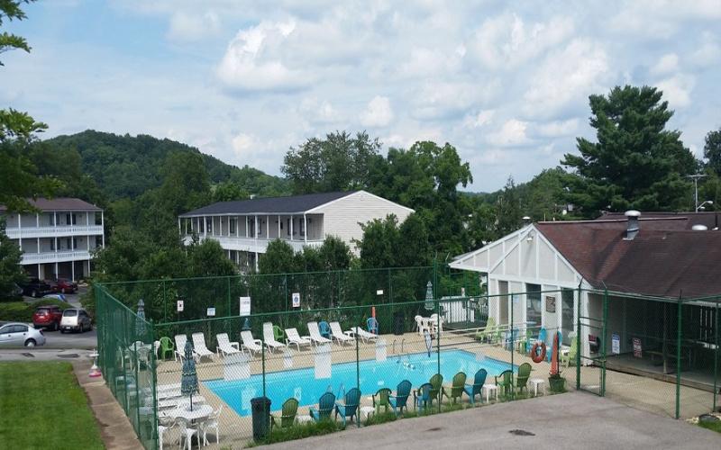 5400 Big Tyler Road, Charleston, West Virginia 25313, ,Apartment,For Rent,Big Tyler Road,1132