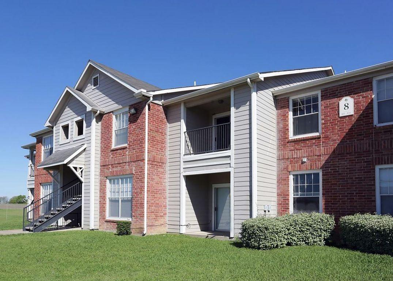 100 Highland St, Hillsboro, Texas 76645, ,Apartment,For Rent,Highland St,1047