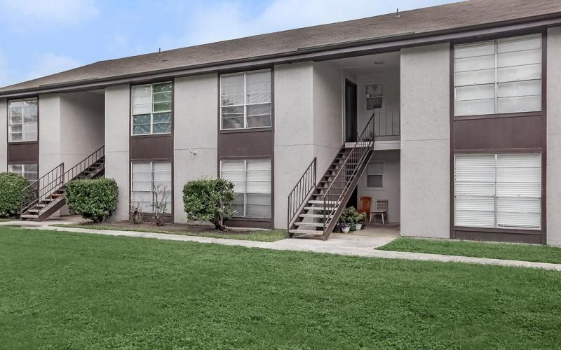 2303 Goliad Rd, San Antonio, Texas 78223, ,Apartment,For Rent,Goliad Rd,1048